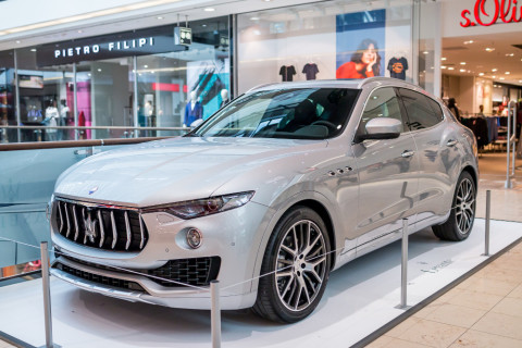Značka Maserati se loni blýskla v pražských Arkádách